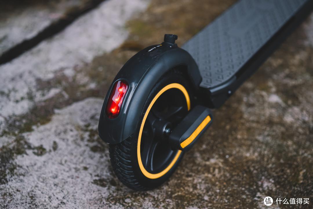 """回馈老婆送的PS5,我给她搞了台""""车""""——探梦者L1 Pro智能电动滑板车"""