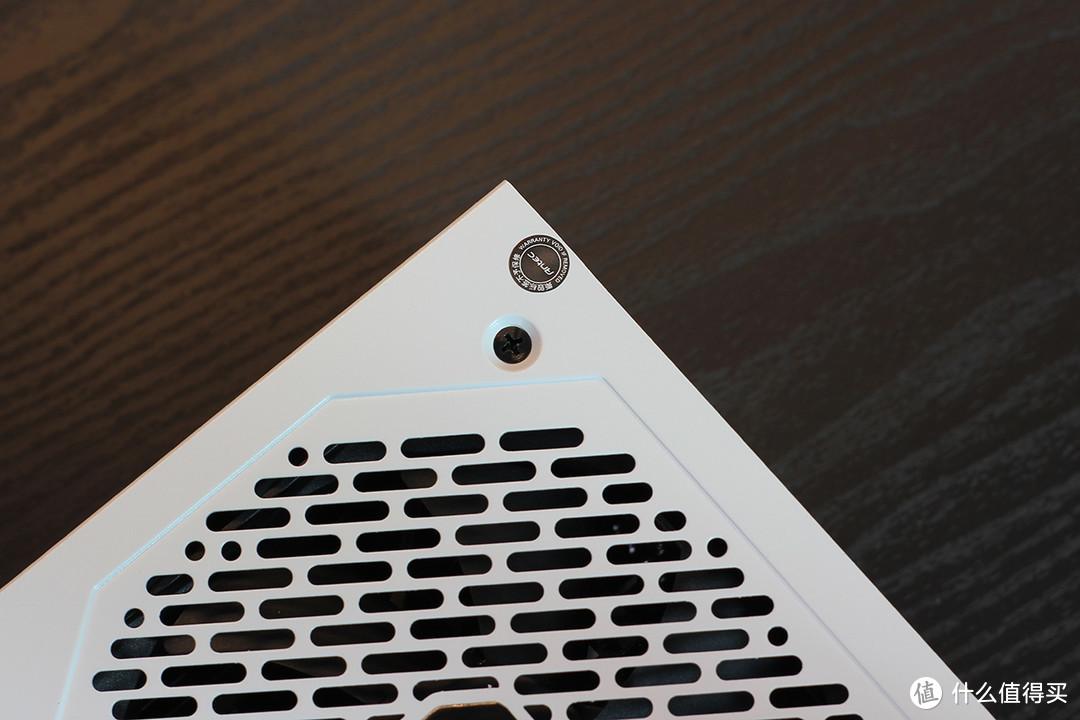 有颜值的白色限定,安钛克850W金牌35周年纪念电源