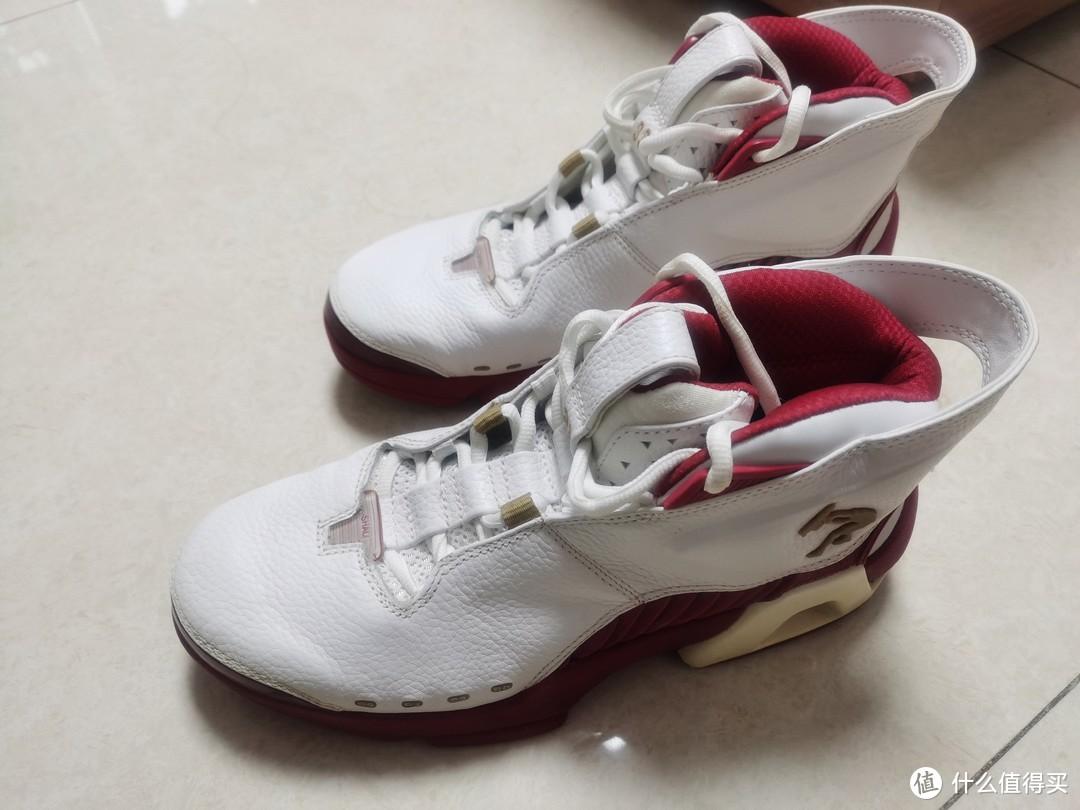 分享一双上了年纪的李宁明星签名鞋(多图)