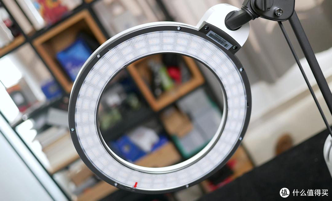 保护视力之余还能提升学习效率?爱德华医生天使之光护眼灯详测