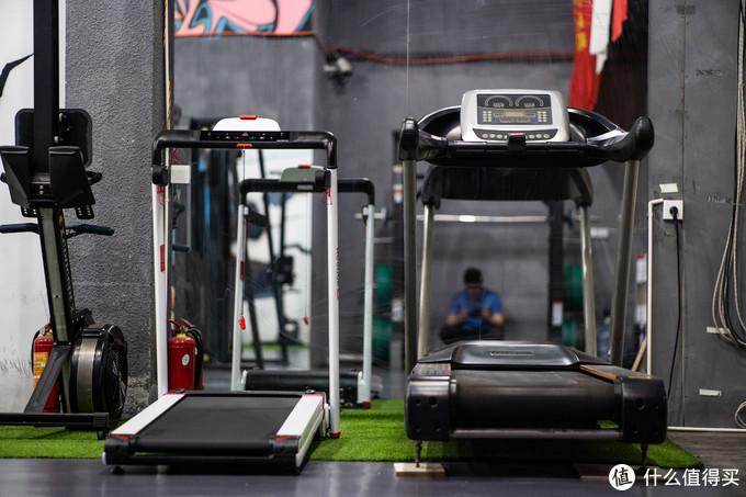 家里为什么适合放一台跑步机?广西赵又廷来告诉你!兼测锐步IRUN4.0