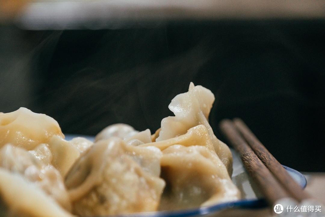 晚上饿了,来碗速冻饺子么?