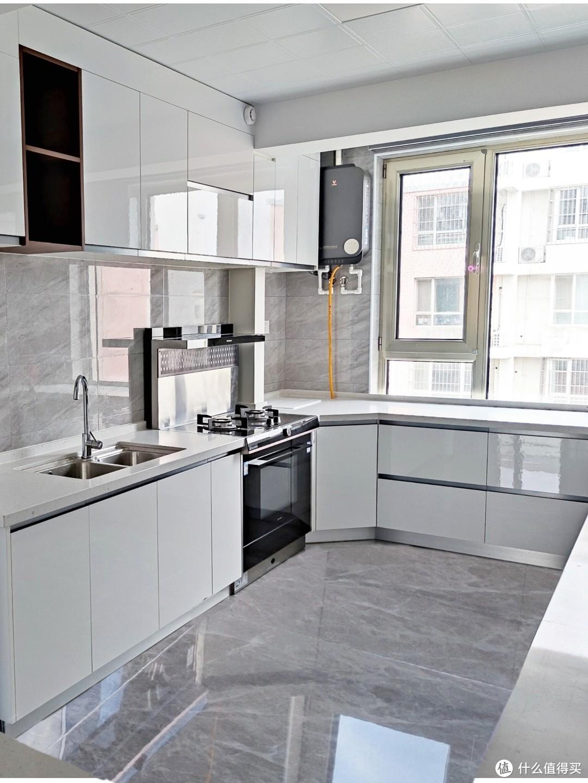 纵深6米的厨房 | 除了去掉厨房门做开放式空间,还跟风了这几个装修要点