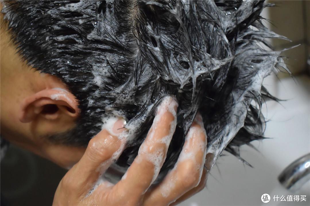解决油腻、脱发难题,华熙生物珂岸头发养护套装上手