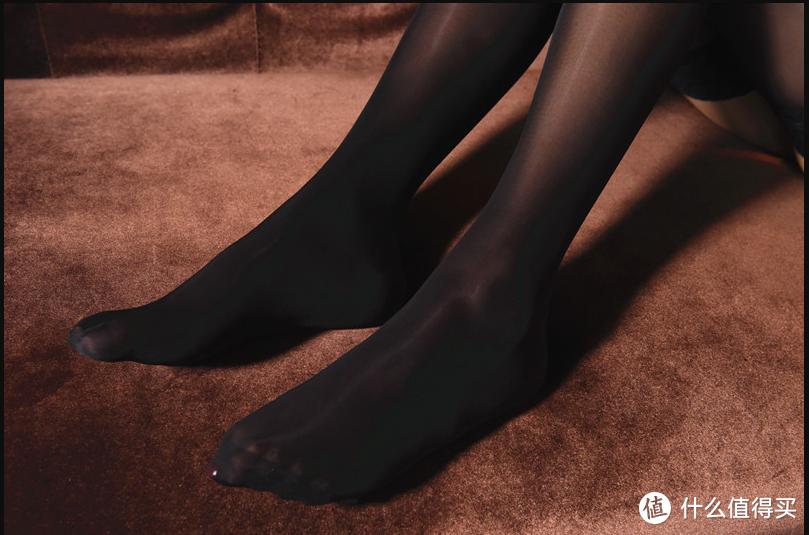 女生喜欢穿肉色丝袜还是黑丝袜?
