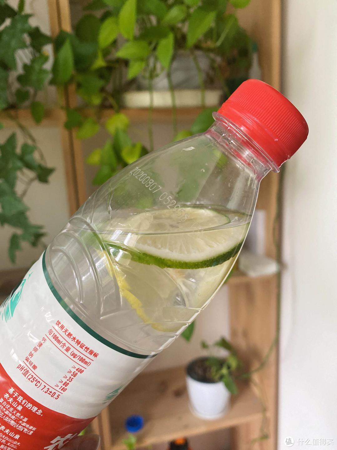9款好看又好喝的Detox Water,让你夏日水嫩嫩!