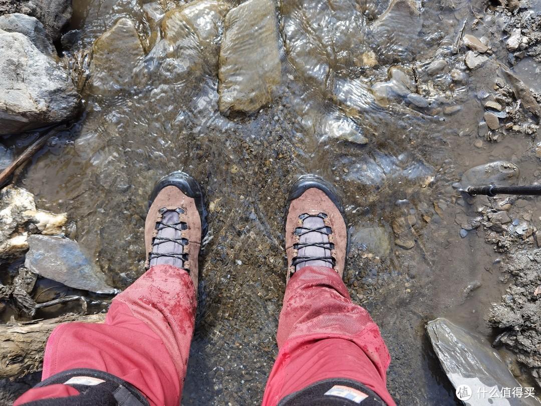我的第一双 重装接近徒步鞋 LASPORTIVA TX5