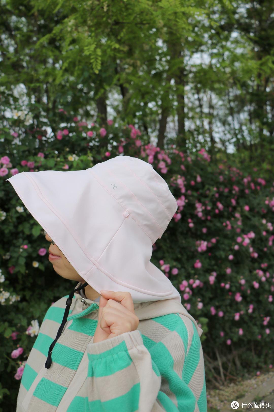 305Pro遮阳帽采用的软钢筋边缘对于造型的塑造极其友好,媳妇儿表示这点最爱不释手