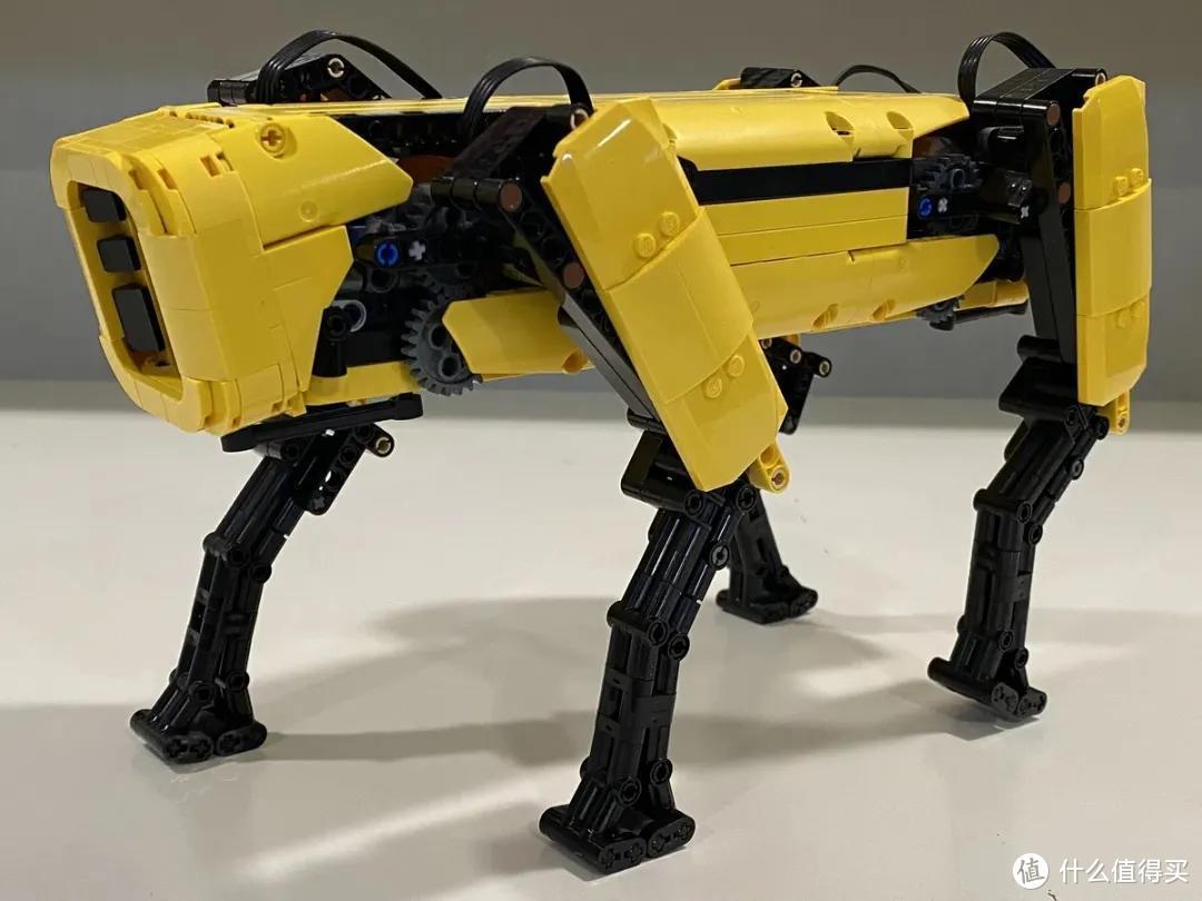 行走的乐高机器狗!Ideas作品波士顿动力四足机器狗Spot1:4动力模型获10000票支持!