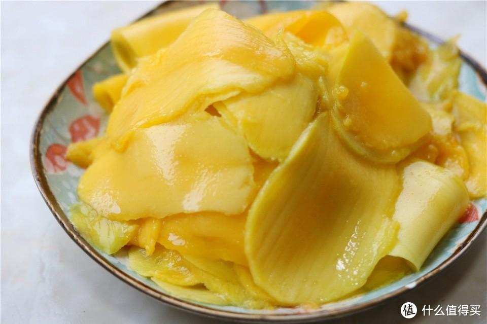 婆婆买一箱芒果吃不完,做成蛋糕香甜细腻,女儿一口气吃3块