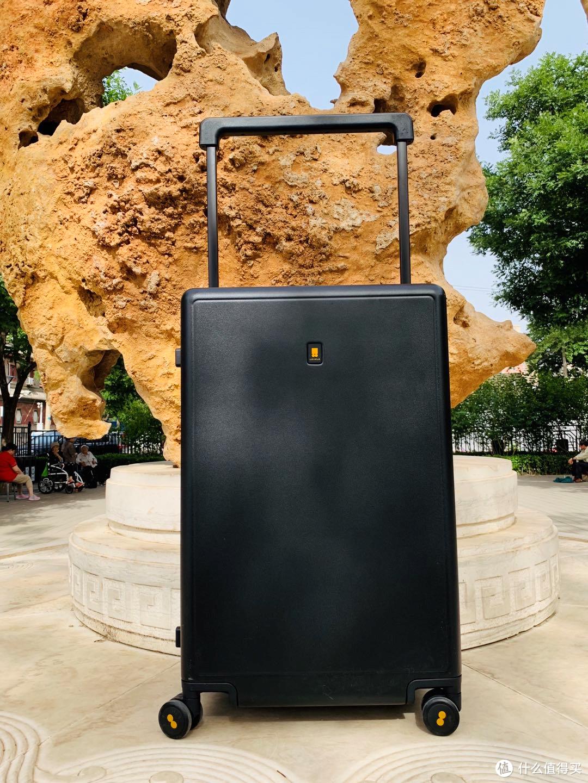 看过这篇再买旅行箱:高颜值+超静音的地平线8号大旅行家行李箱测评