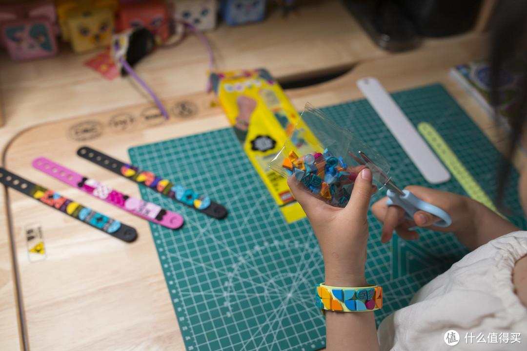 提高效率,陪伴学习!可以从3用到18岁的斯芬达实木儿童书桌使用心得~