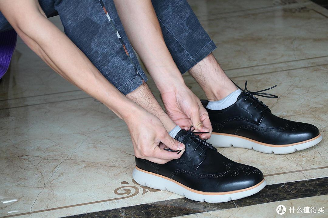 职场穿搭新灵感,运动和商务二合一的皮鞋