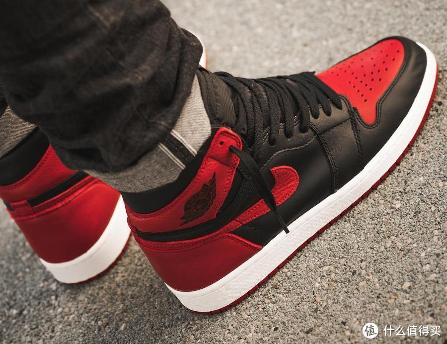 Air Jordan 1 Mid AJ1小禁穿黑红脚趾篮球鞋