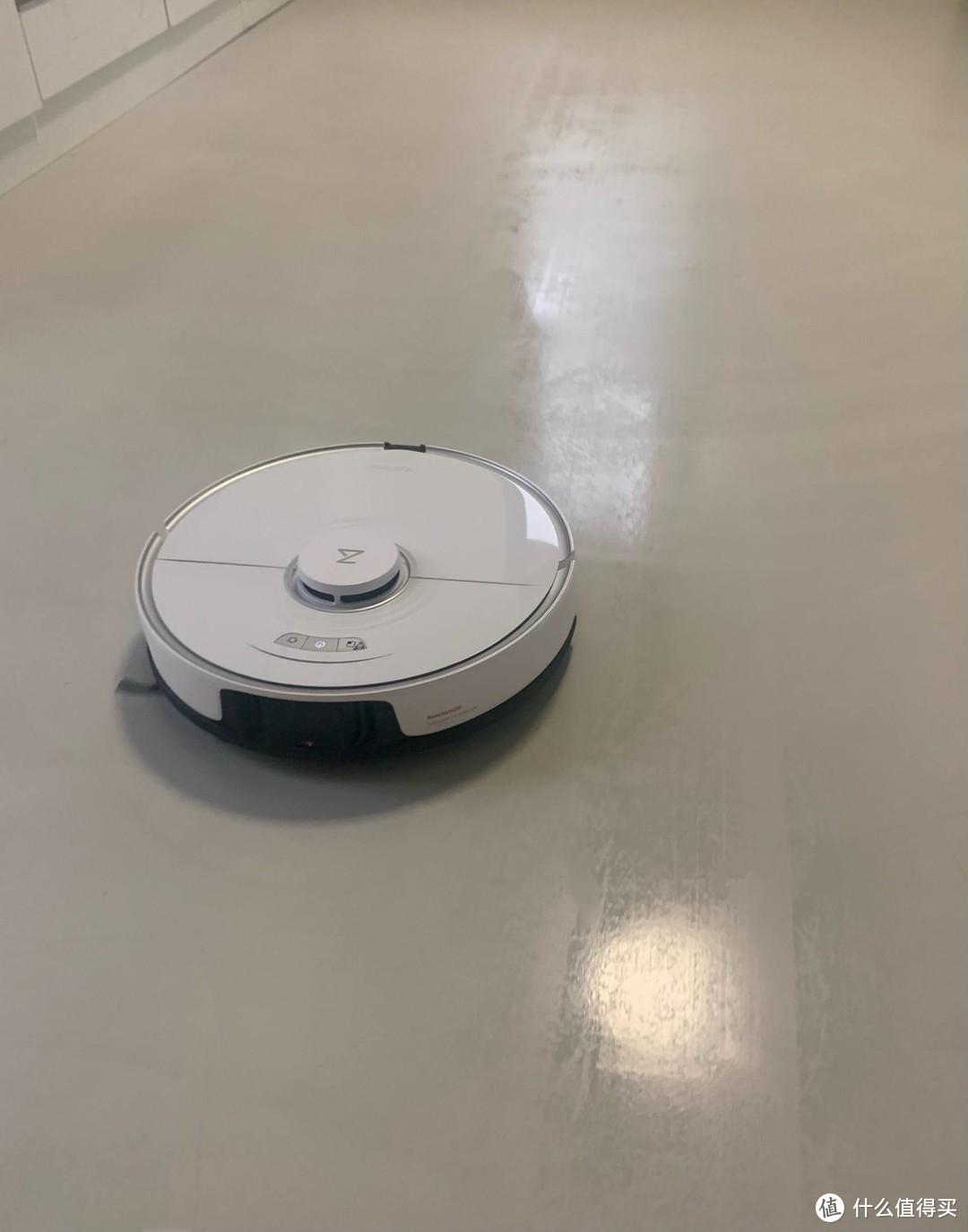 """扫拖一体机器人购买全解析,8大核心技能点,关于""""导航模式哪种好、边刷一定要双边刷吗""""等问题解答"""