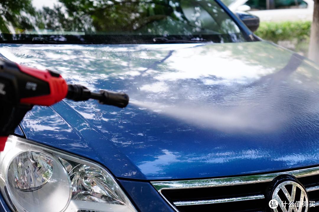 10分钟,一桶水,老车锃亮如新——绿田洗车机体验