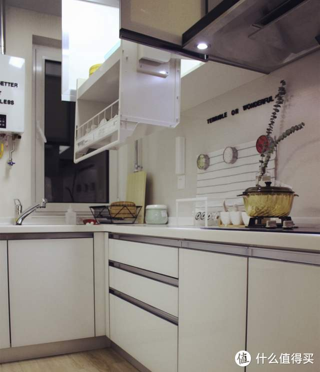 这些厨卫设计告诉我们:想要干净,离不开有远见的装修与收纳