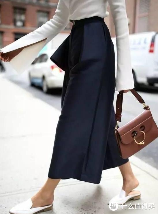 别中招!夏天穿鞋千万不要挑这个颜色,非常显脚黑,一点都不时髦