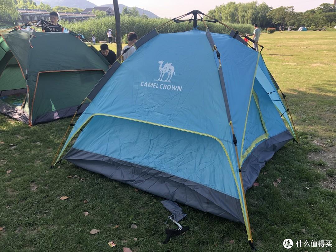 亲子游户外露营好帮手——骆驼自动速开双层帐篷
