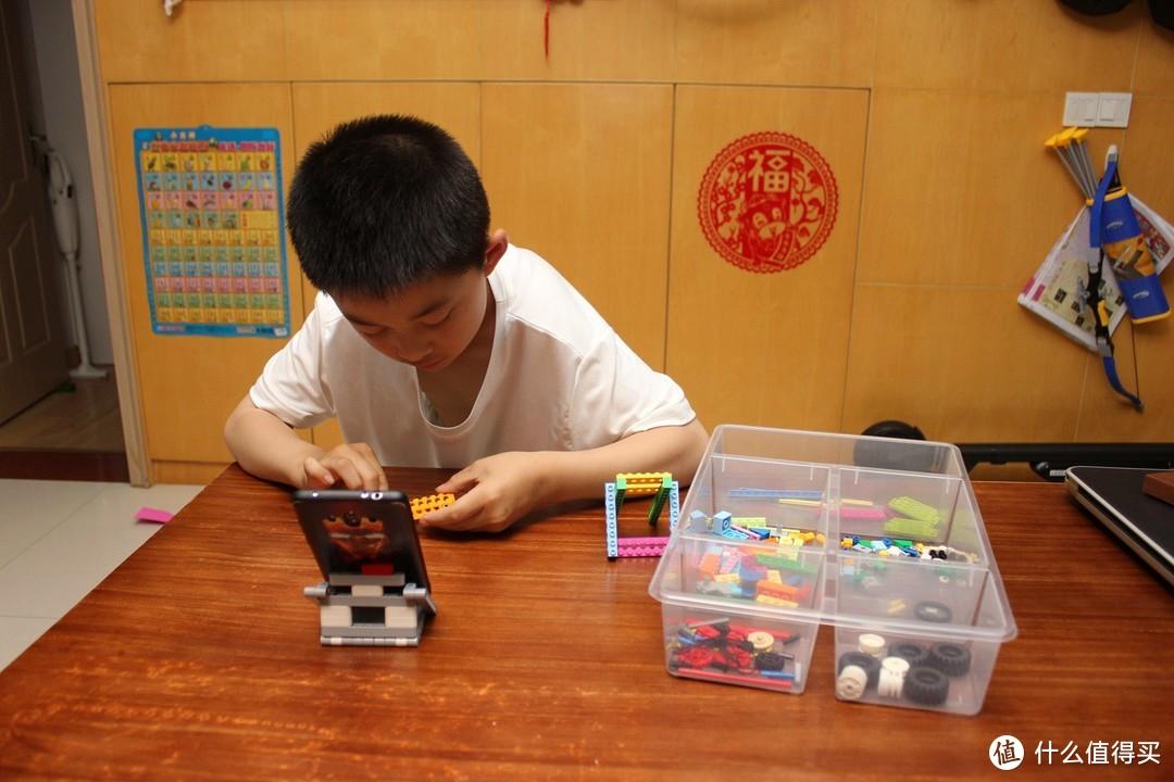 寓教于乐,用孩子的思维讲机械,玩转《机械搭建游戏书(90合1)》