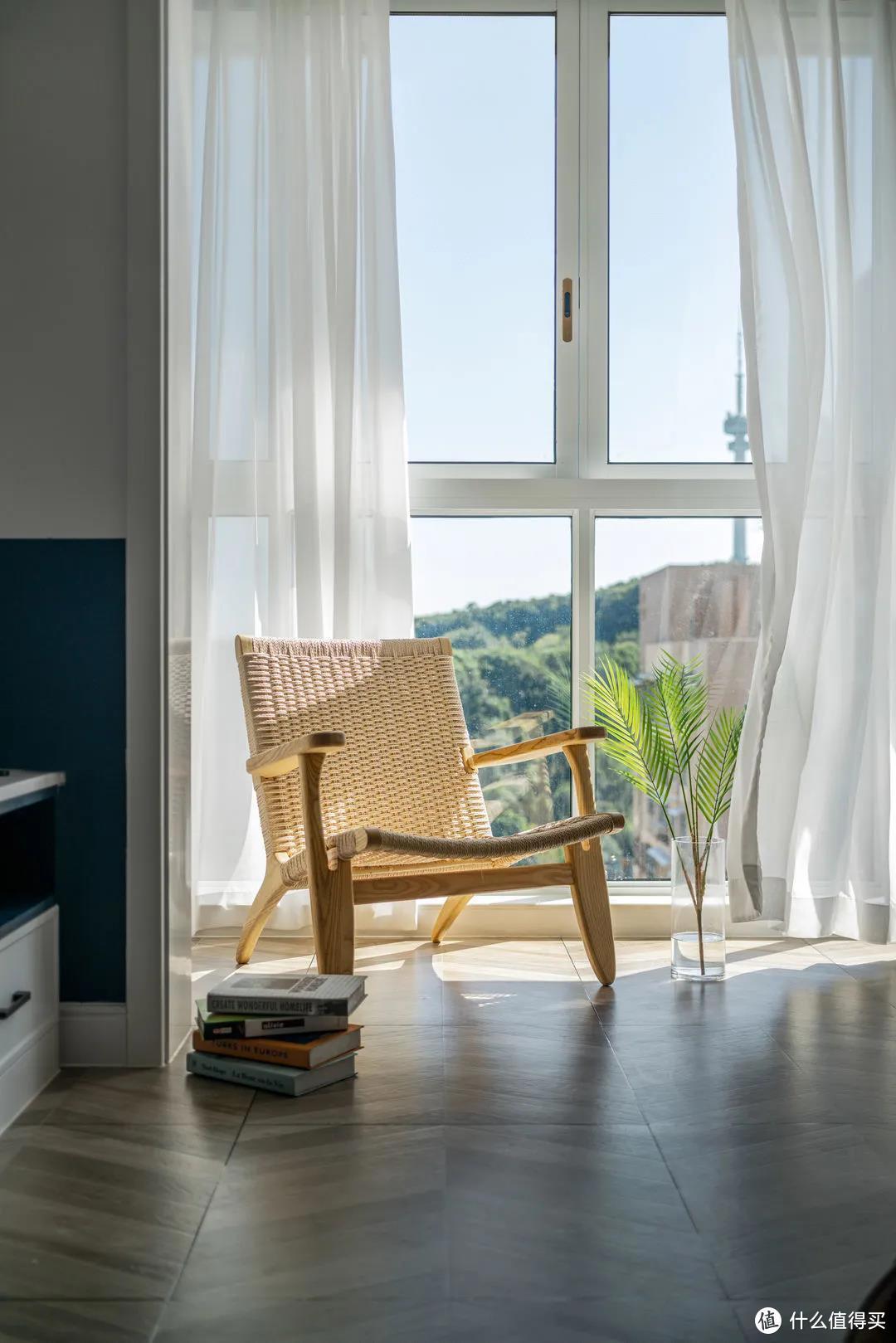 你们封阳台的方法早就过时了,现在豪宅都流行这样封,秒变景观房!