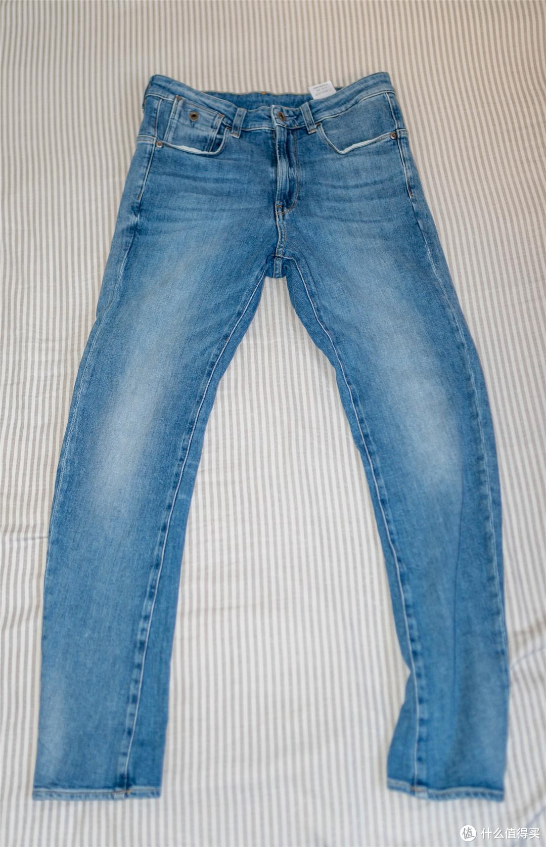 因为我的拍摄角度问题,裤型有变形。您就大概看个样子?