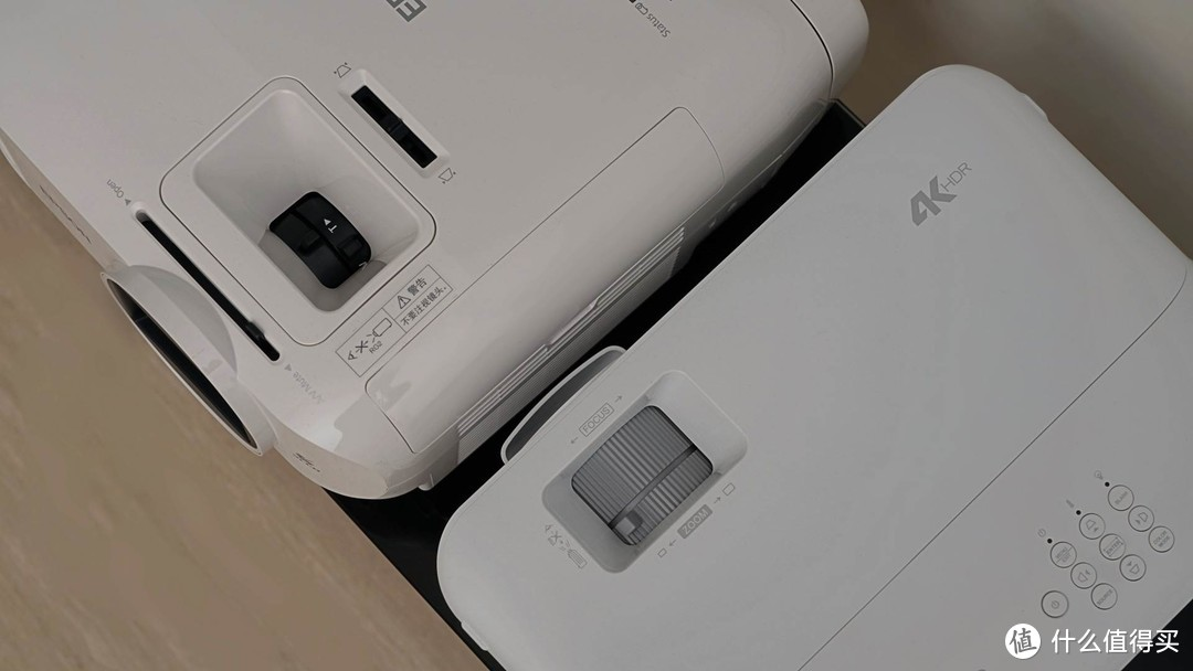 投影仪选4K DLP还是3LCD?优派PX701-4K Pro与爱普生CH-TW5700对比评测