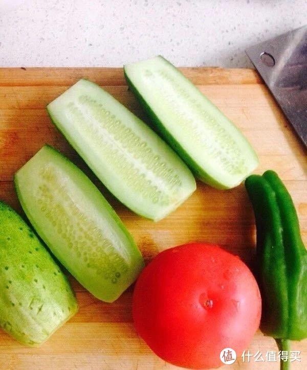 这样的凉拌黄瓜,你肯定没吃过-这是我夏季必不可少的美味