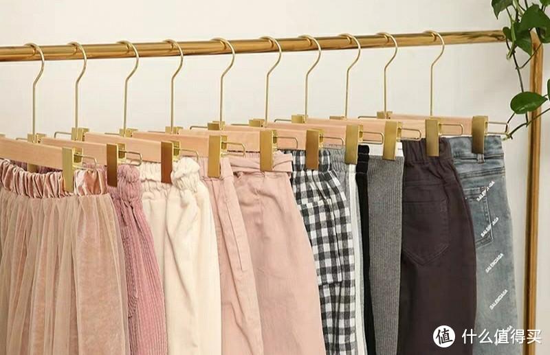 服装挂衣架怎么选?看这几点就够了!--华恩