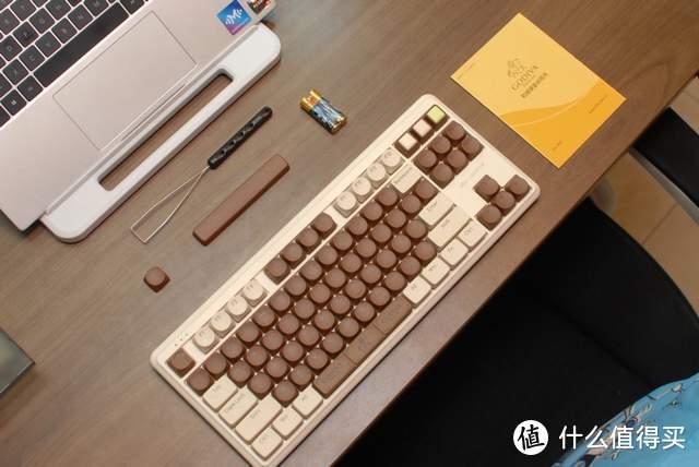 """ikbc歌帝梵联名机械键盘体验,网友:巧克力""""味"""",真香"""