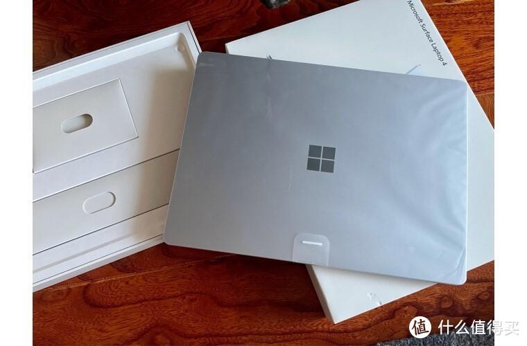 职场竞争需要怎样的生产力输出设备?微软Surface Laptop 4给你神助攻