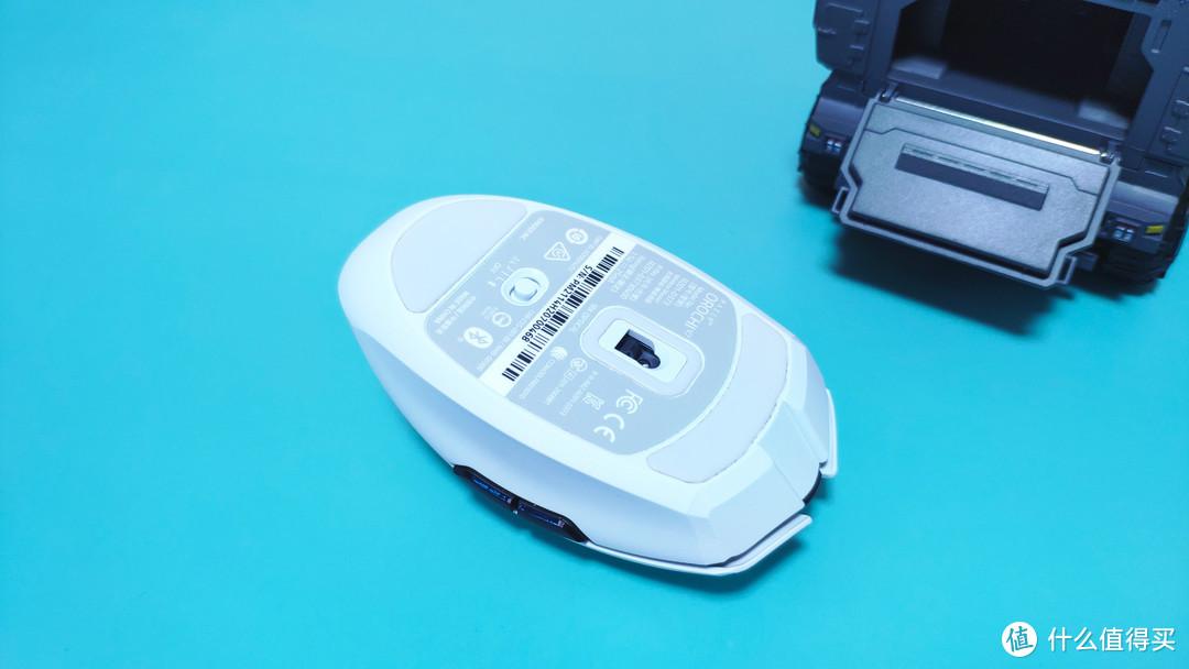 轻量化,无线制,电竞潮品Razer八岐大蛇V2轻装上阵