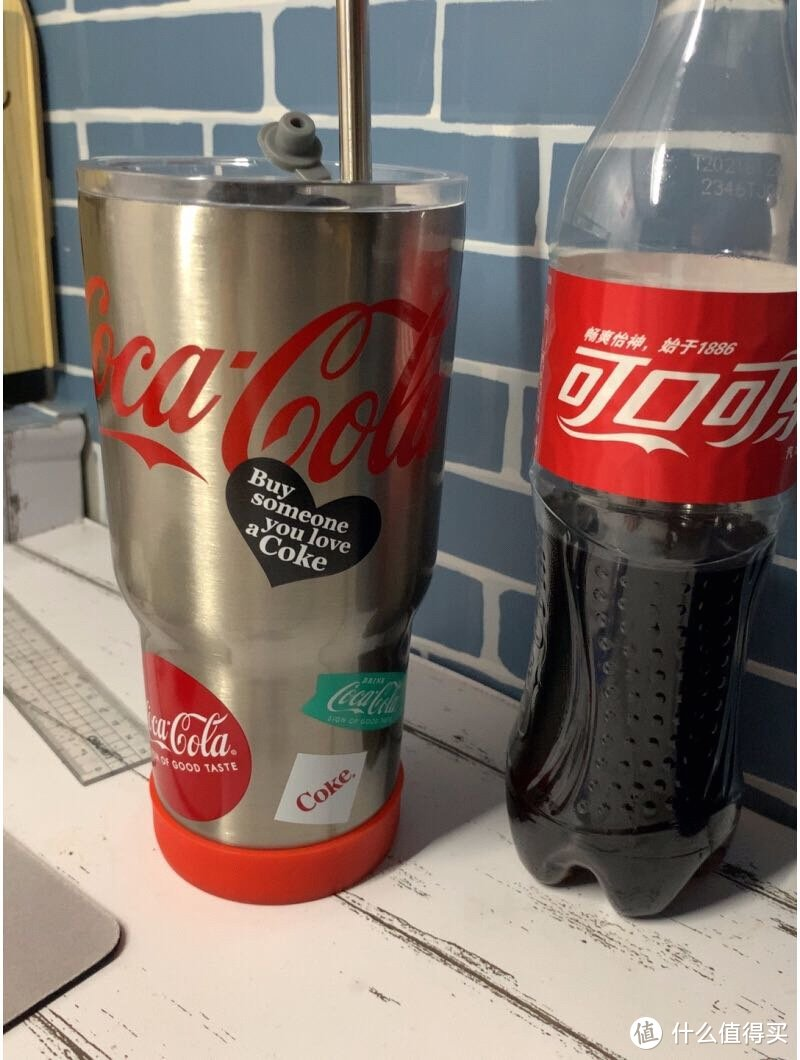 可口可乐联名款杯子