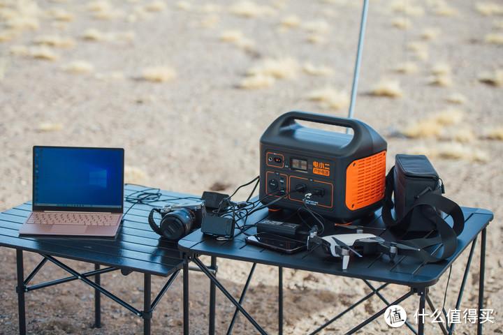 """户外露营的""""超级充电站""""—电小二1000W户外电源"""