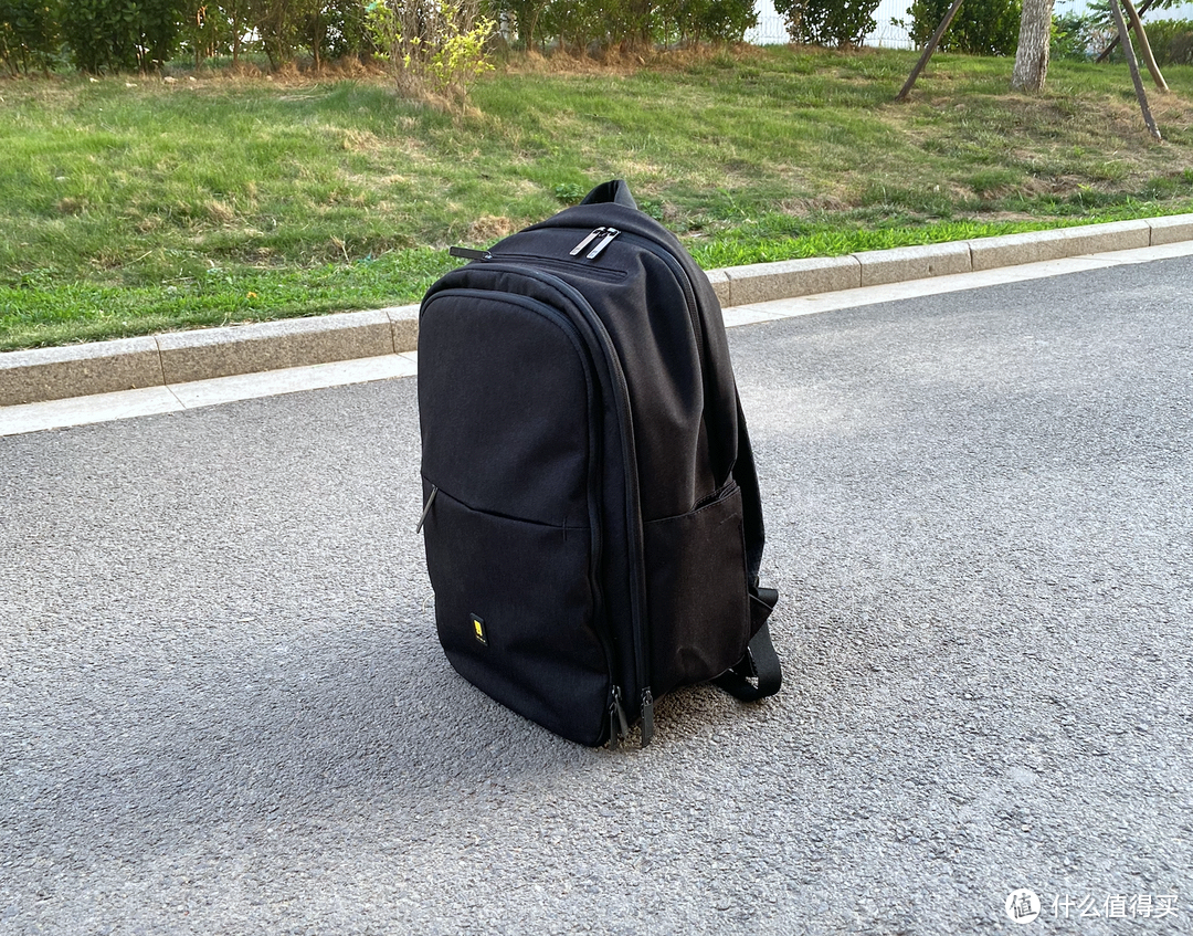 中了地平线的毒,继旅行箱之后又入手全功能电脑背包