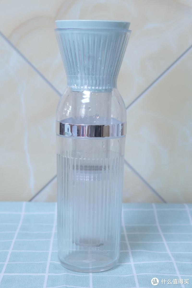 冷饮新方式:东菱乐萃杯无线小型冷萃咖啡机上手