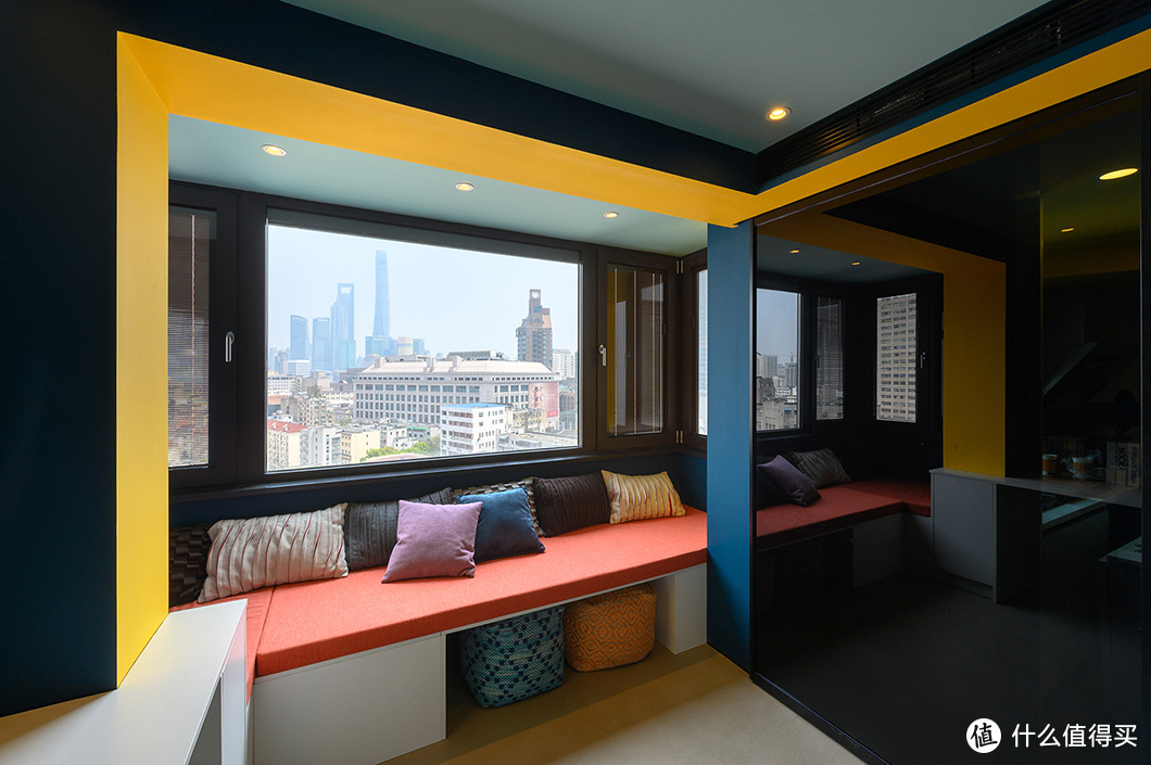 客厅阳台这样设计,家里直接多了一间房!