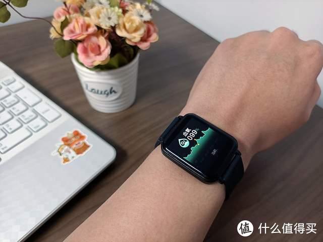 不足两百元的智能手表,居然配备血压和血氧监测?aigo FB01体验