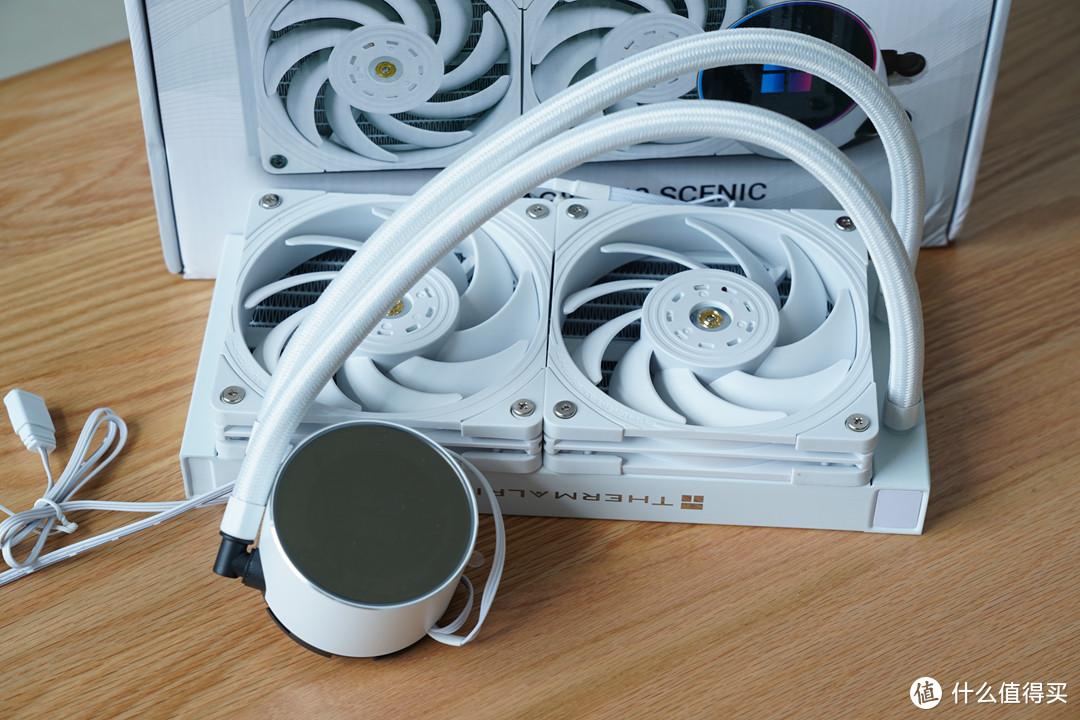 散热器冷头支持1600W色得RGB炫彩光效。