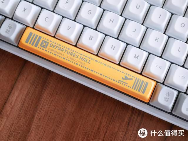 蓝牙有线均可,还超高颜值,洛斐小浪蓝牙机械键盘上手体验