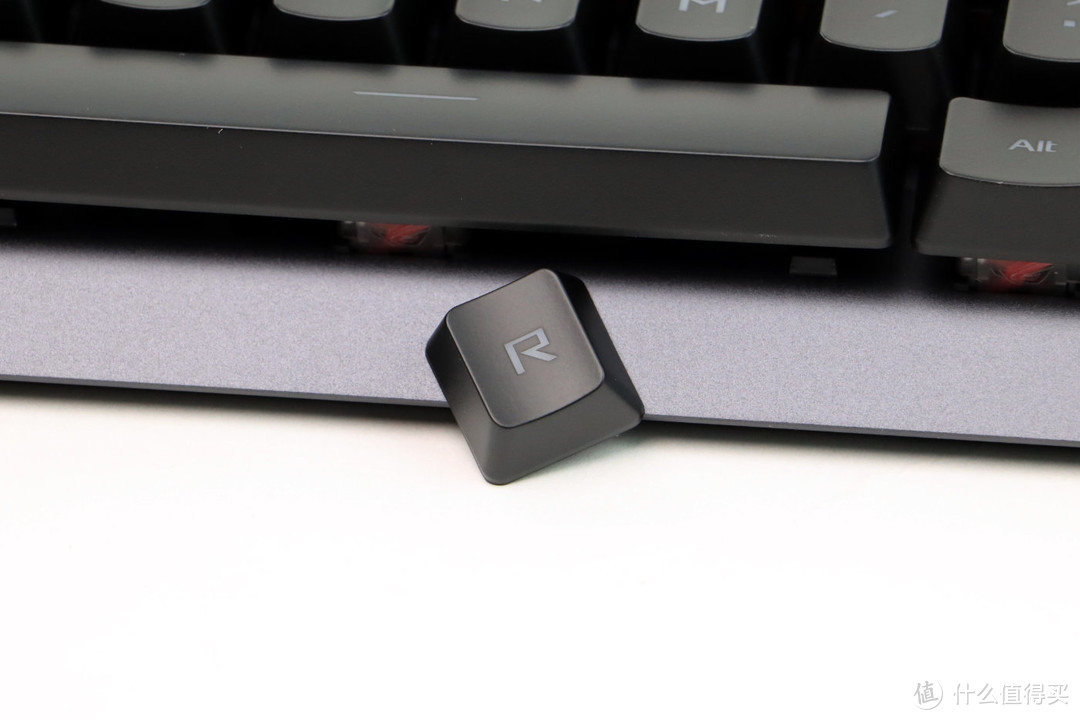ROG 游侠RX光学机械键盘&月刃无线版三模游戏鼠标 开箱评测