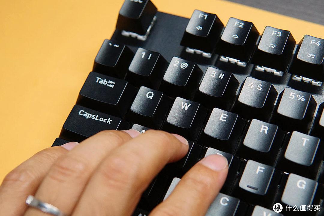 雷柏V500PRO无线机械键盘:无束缚更舒服