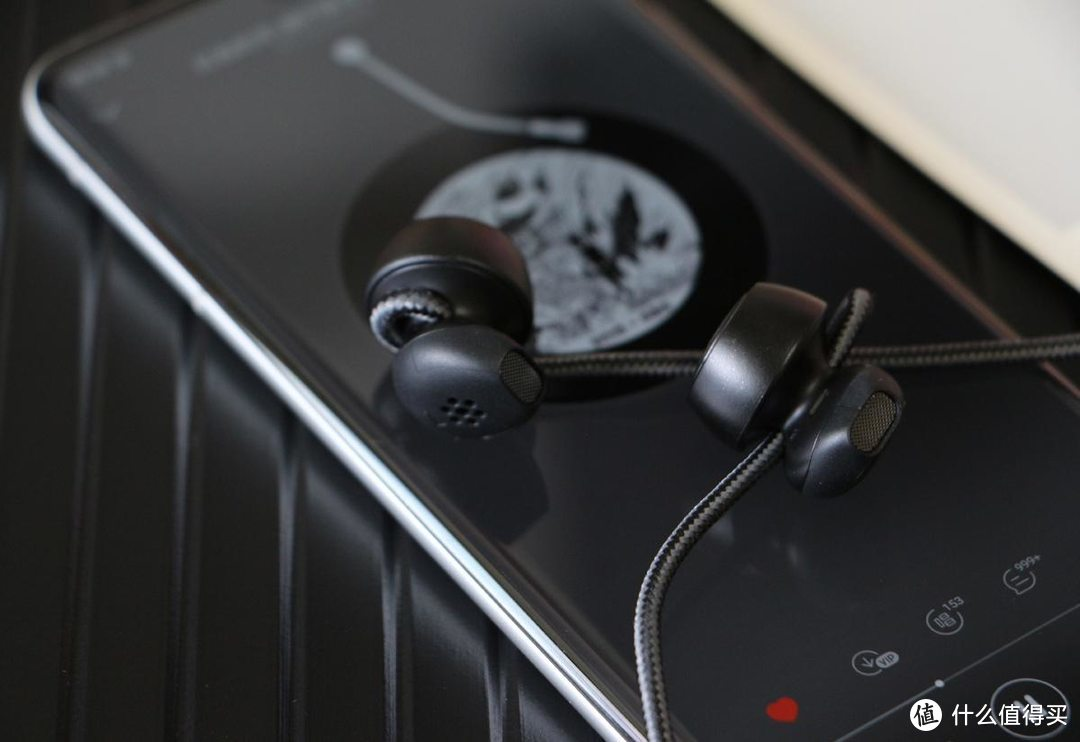 音质实力比肩AirPods,40年音响功底!德系运动蓝牙耳机体验