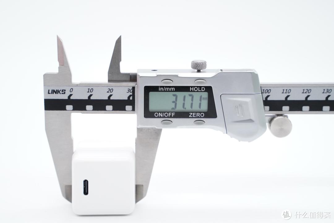 30W 迷你折叠插脚,努比亚方糖 Pro 氮化镓充电器评测