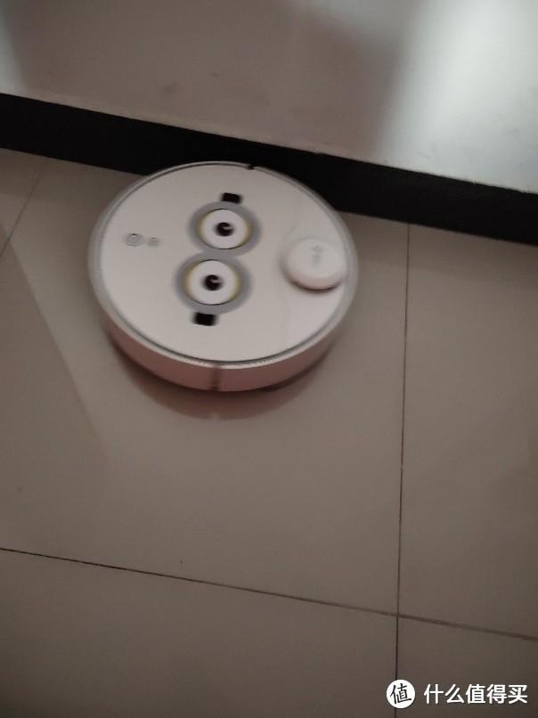 360扫地机器人x95,大吸力模样可爱更静音