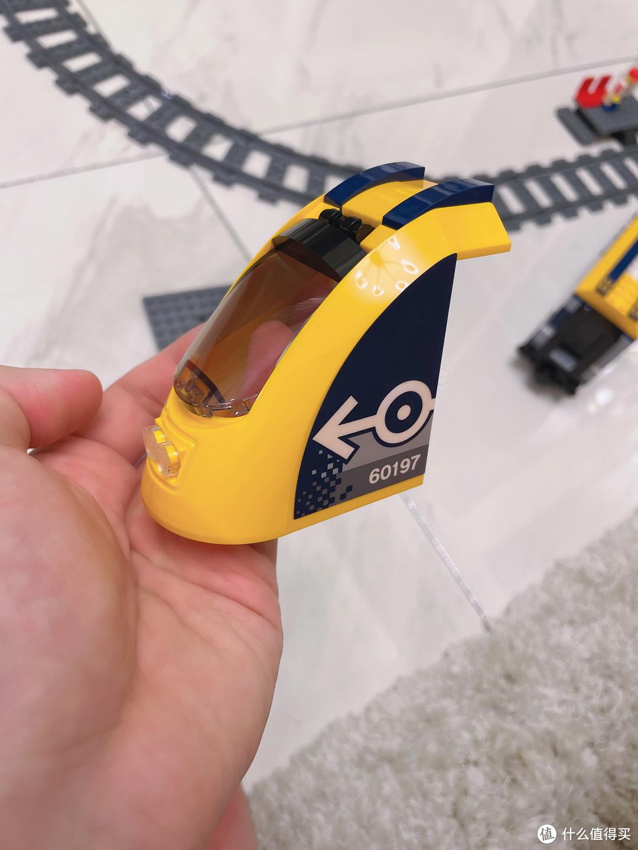 机车迷宝宝5岁生日开箱与搭建——乐高城市系列60197客运火车套装