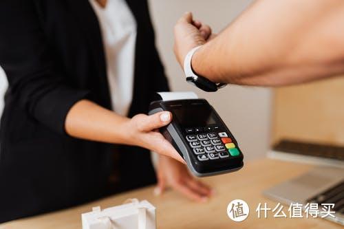 信用卡逾期最高分期5年,只要和银行协商停息挂账就可以