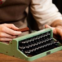 乐高推出全新LEGO®IDEAS打字机玩具套装