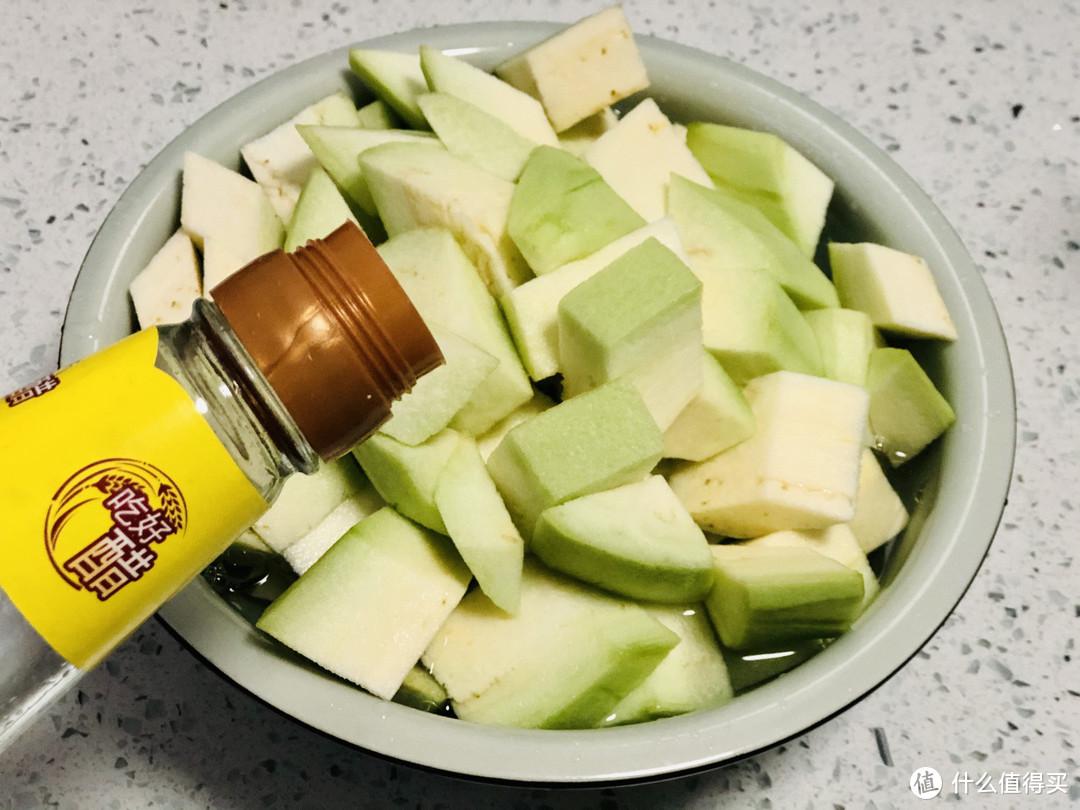 夏天吃黄瓜、番茄不如它,每斤不到1元钱,营养丰富,老爷子爱吃