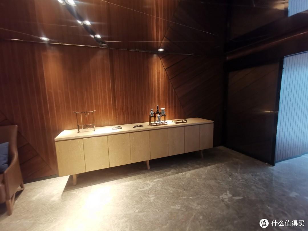 稻城亚丁性价比最高的酒店——稻城亚丁智选假日套房酒店